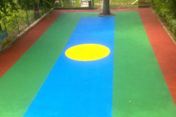 pavimentazione-area-giochi5D803CCC-0AB0-7DDD-15AC-96712ED08976.jpg